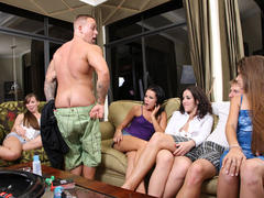amateur gives a good blow job on party